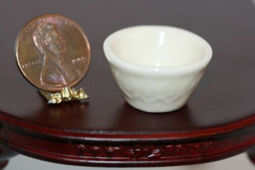 Dollhouse Miniature Ceramic Cream Glazed Vintage Look Mixing Bowl