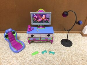 2008-Barbie-Doll-Glam-dream-Game-Room-Entertainment-Center-Music-Home-Furniture