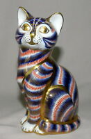 VINTAGE BEAUTIFUL ROYAL CROWN DERBY KITTY CAT FIGURINE ENGLISH MADE BONE CHINA