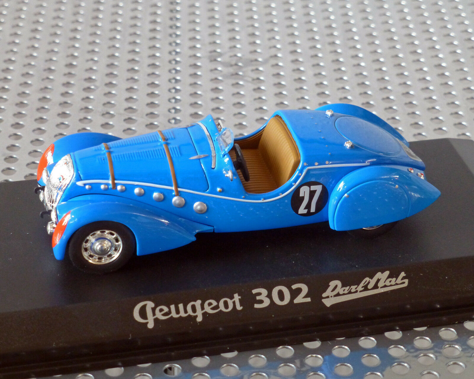 PEUGEOT 302 DARL ' Mat bluee, 1 43, Norev