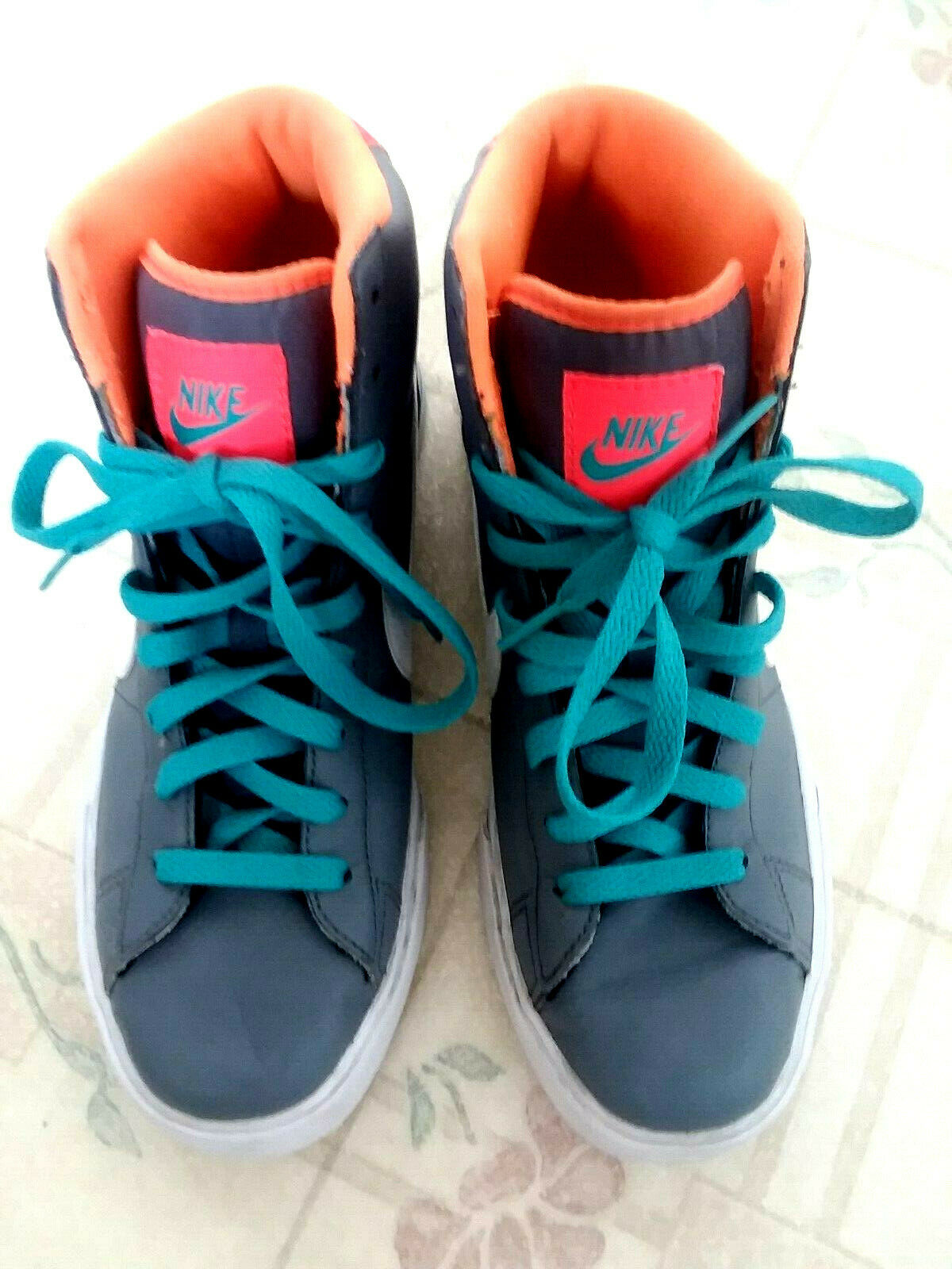 f87c0cb40 SWEET SWEET - EXC Women s SZ 8 NIKE CLASSIC BASKETBALL SHOES Model  354697-026