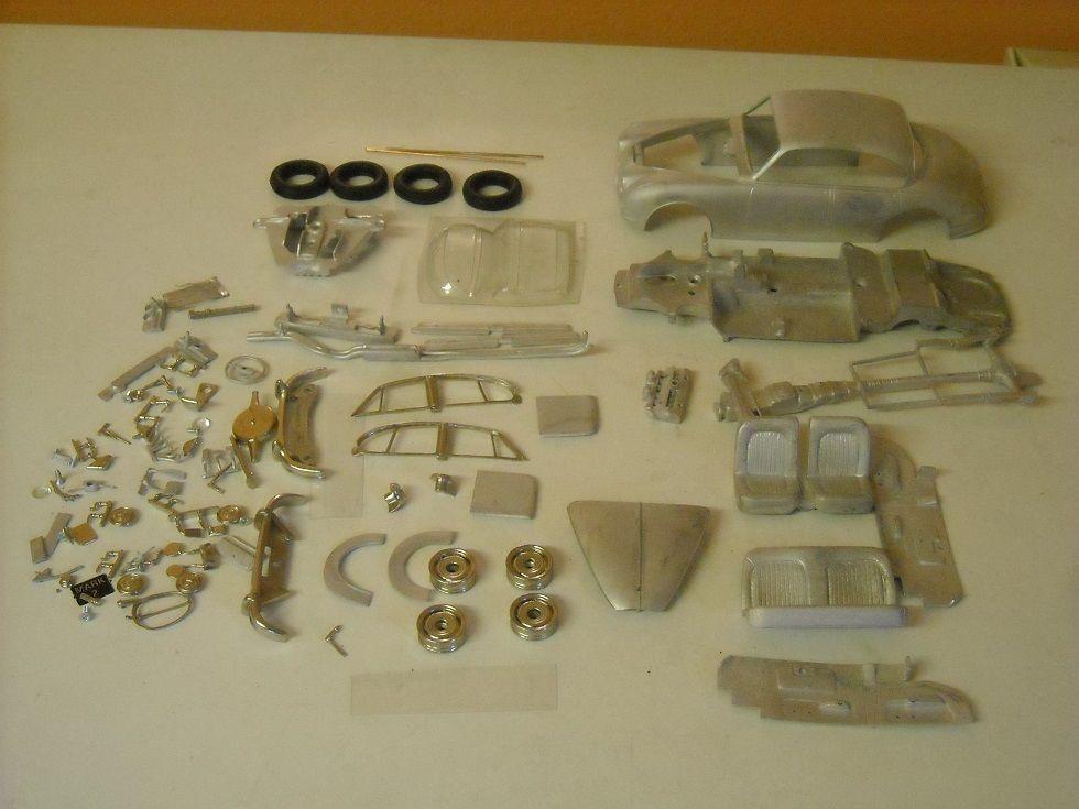 Jaguar Mk2 Saloon 1 24th scale white metal kit  by K & R Replicas