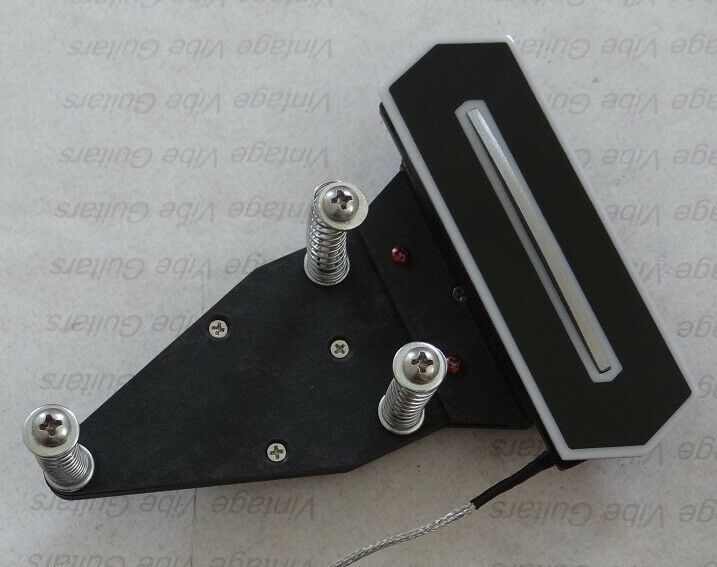 Charlie Christian style single coil pickup with 3 point mount by Pete Biltoft