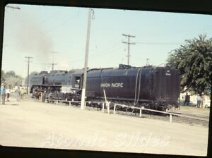 1972-35mm-photo-slide-Railroad-train-Union-Pacific-8444-RR72