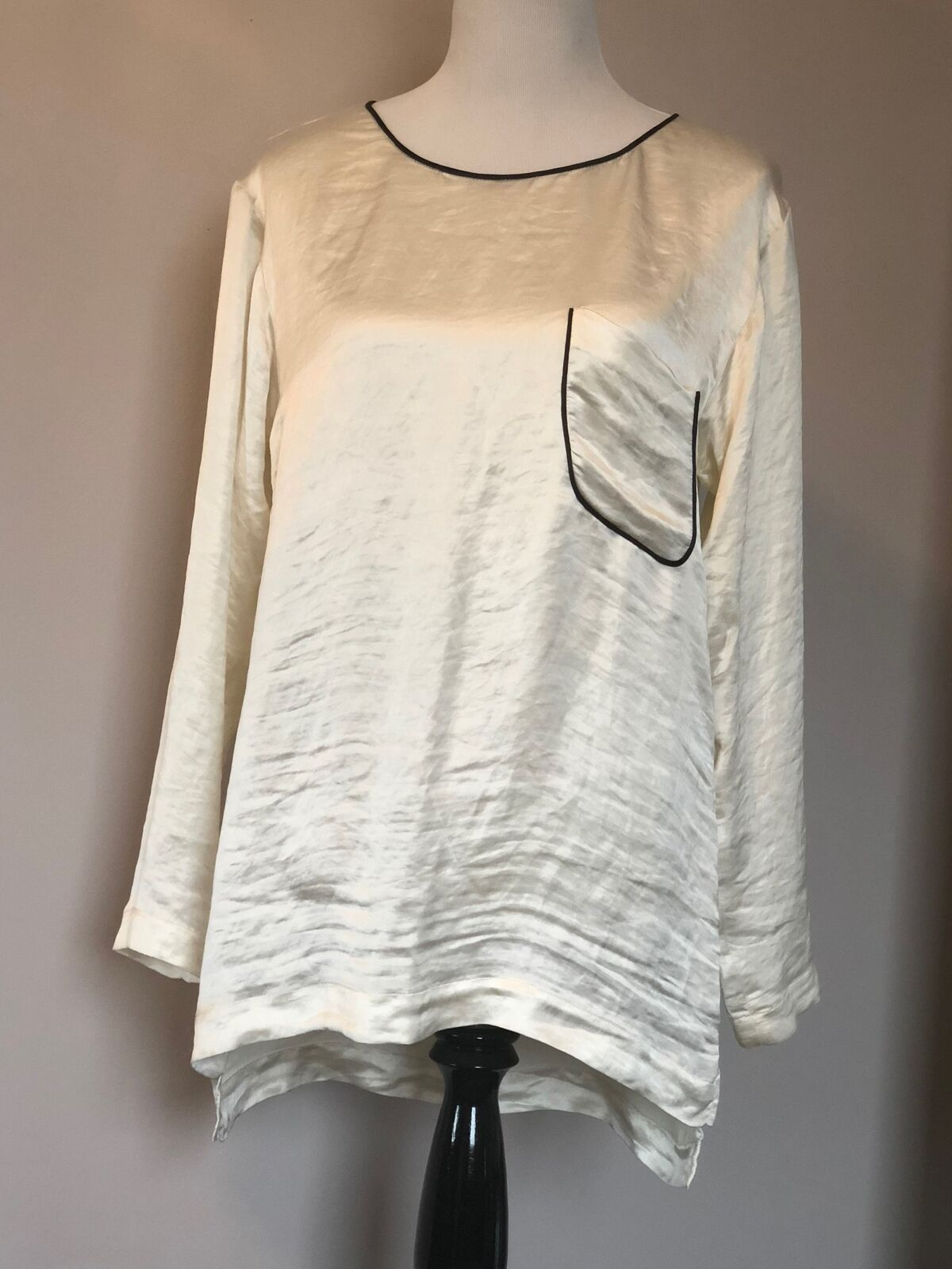 NWT THEORY Pearl Weiß Long Sleeve Crinkle Satin Top SZ M Style B0705506