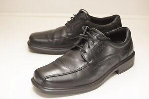 ECCO Helsinki Size 9 to 9.5 Black Shoes