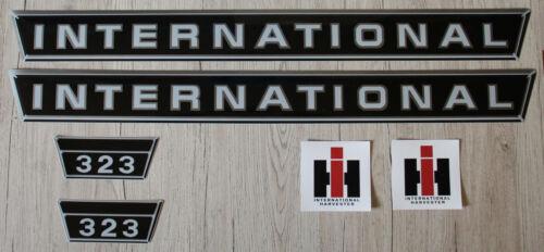 Mc Cormick Aufkleber 323 kurz Silber Traktor Logo Emblem Sticker Label . IHC