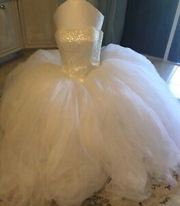 Oleg-Cassini-Princess-Wedding-Gown-beaded-strapless-Dress-Size-8