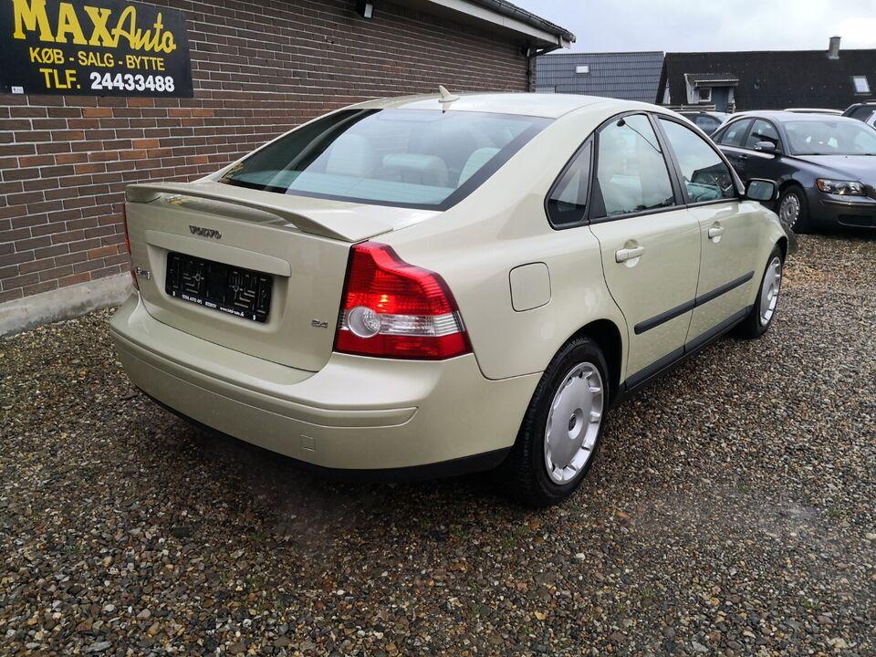 Volvo S40 2,4 Benzin modelår 2004 km 222000 nysynet ABS