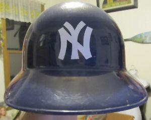 f891df8622455 Image is loading New-York-Yankees-Souvenir-Plastic-Baseball-Laich-Sports-