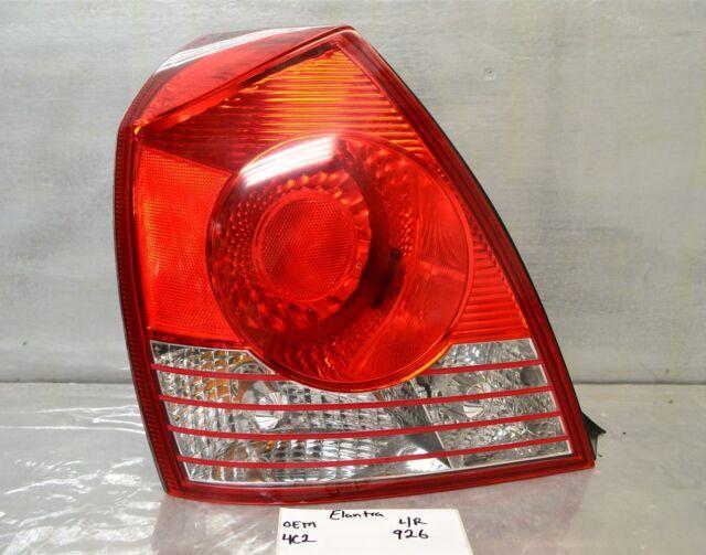 2004-2005-2006 Hyundai Elantra Sedan Left Driver OEM tail light 26 4C2