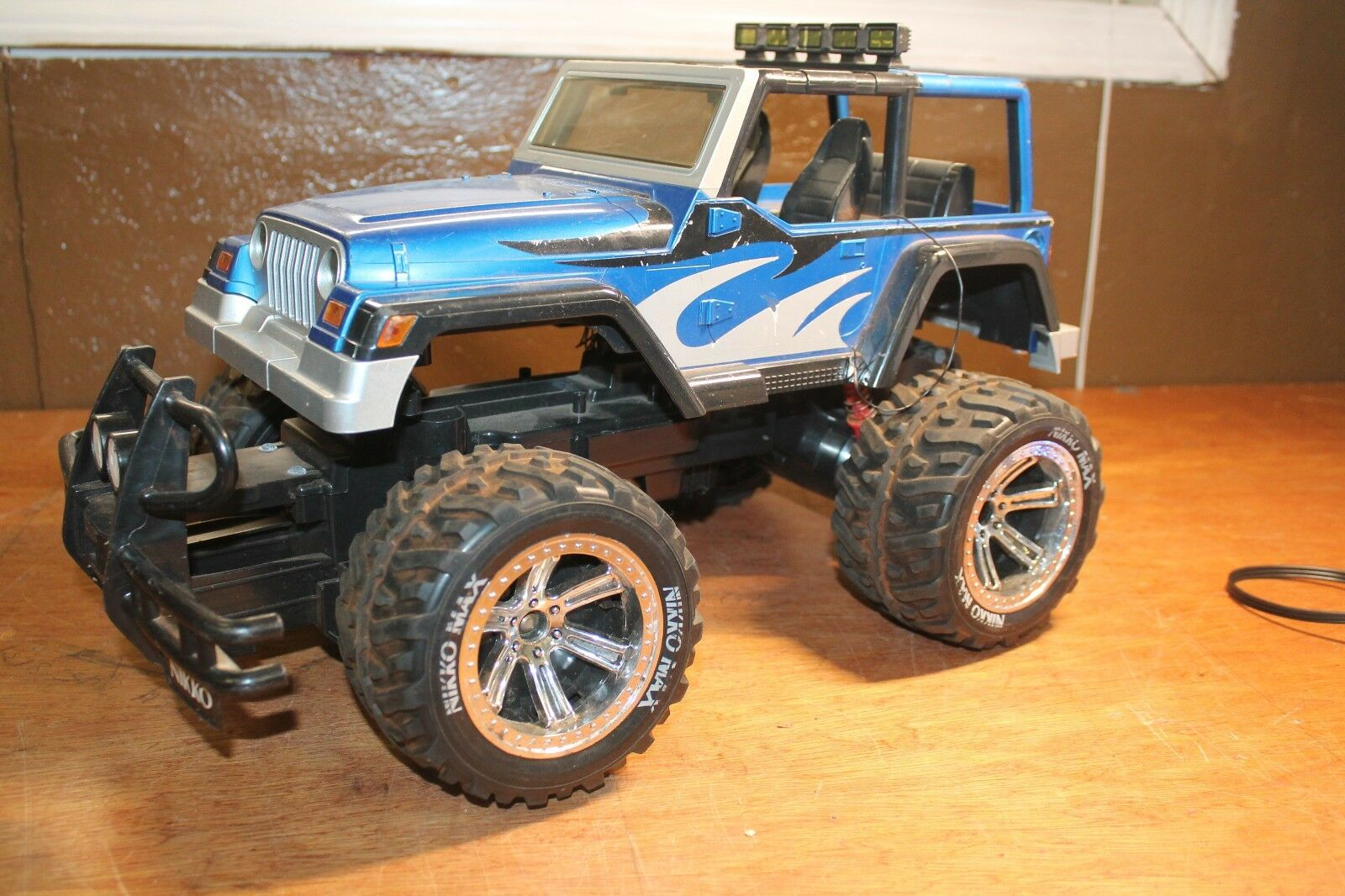 16  Jeep Rubicon RC Crawler  - 1/10 Scale SCX10 Nikko RC Car Hard Body As-IS