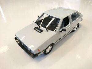 FSO Polonez Coupe - 1/43 DeAgostini Ixo URSS Voiture de l'Est CAR AUTO MODEL P64