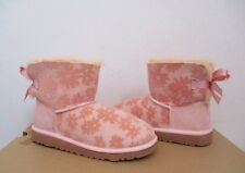 28dce4364a0 UGG Australia Kids/youth Mini Bailey Bow Flowers Boot Baby Pink Size 4 NWOB