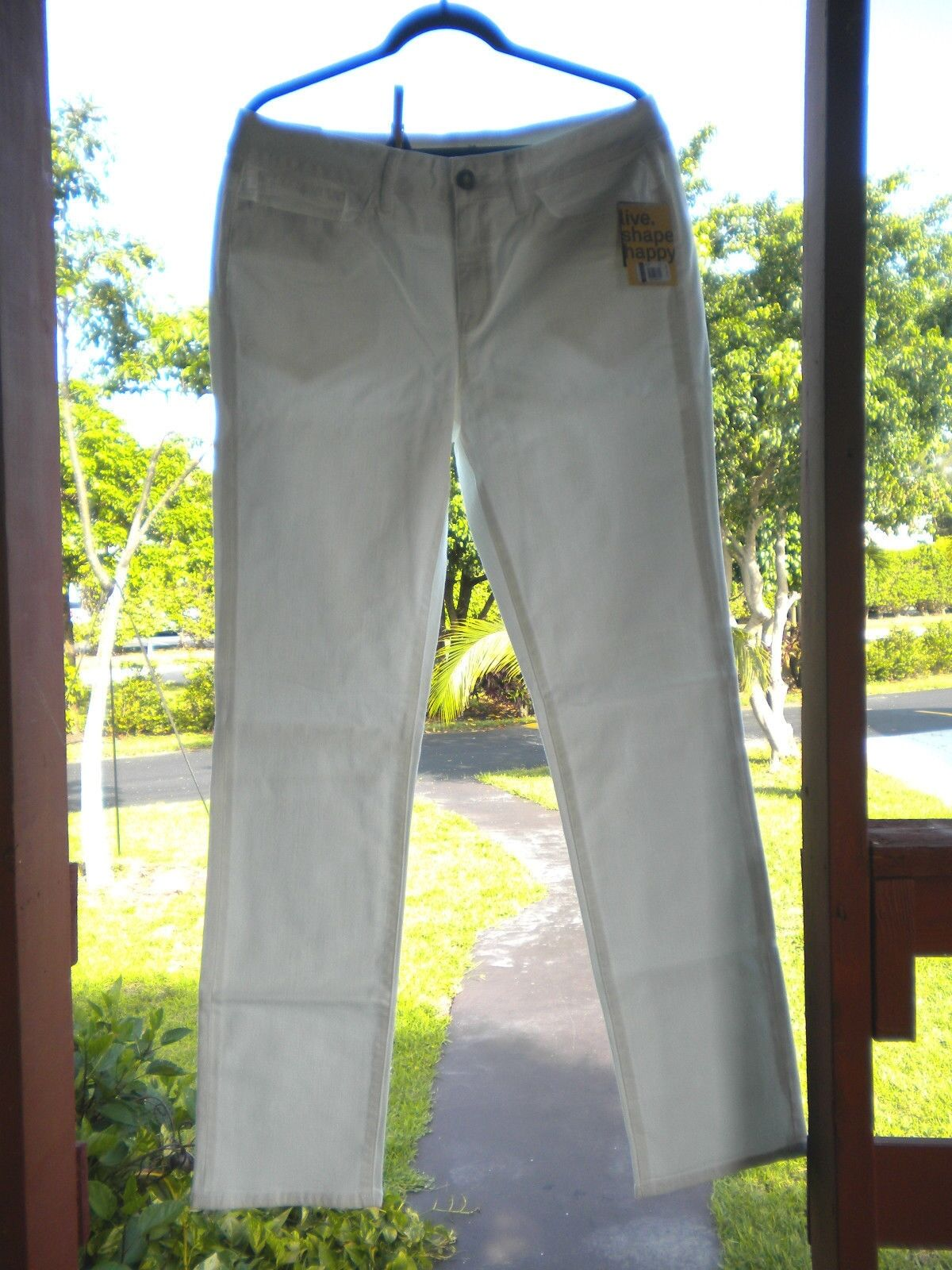 Yummie Tummie by Heather Thomson White Straight Leg Jeans.34 = Size 14
