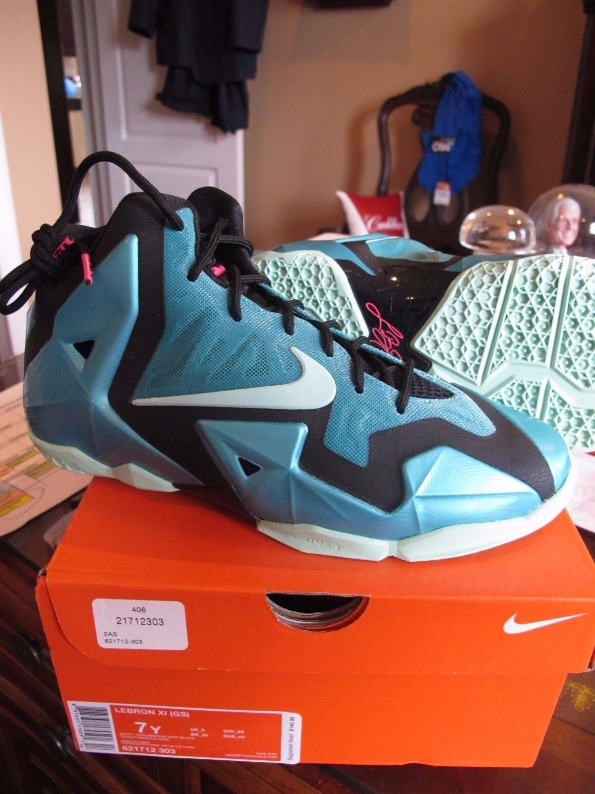 833bc99f4d33 Youth Grade School Nike Lebron 11 XI South Beach Shoes 621712-303 ...