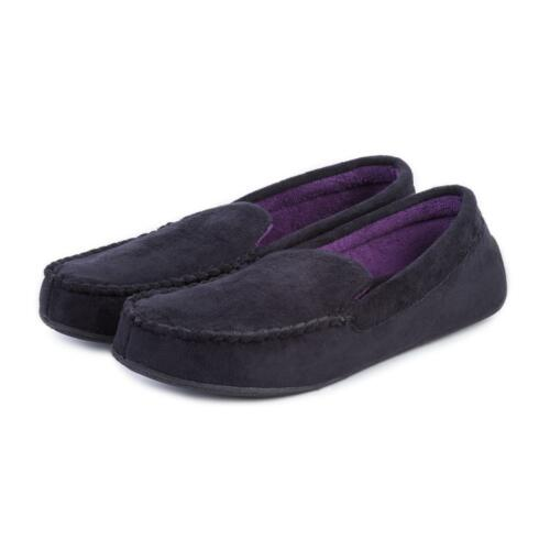 Isotoner Men/'s Suedette Moccasin with Driving Sole Slipper