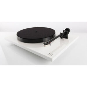 Rega-PL1-Planar-1-Turntable-With-Carbon-MM-Cartridge-White