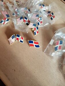 22 Pins 8 DOMINICAN REPUBLIC WORLD FLAG 14 USA DOMINICAN COUNTRY FRIENDSHIP