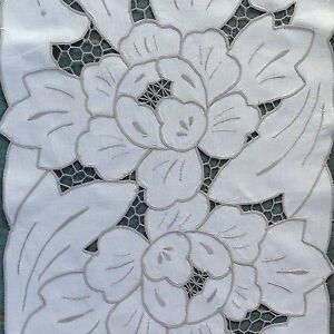 VINTAGE HAND EMBROIDERED CREAM COTTON & SILVERY TAUPE TABLE RUNNER CLOTH