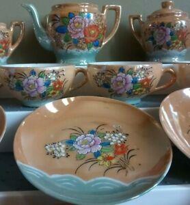 Gold-Lusterware-Tea-Set-16-Piece-set-colorful-flowers-w-green-accent-Japan