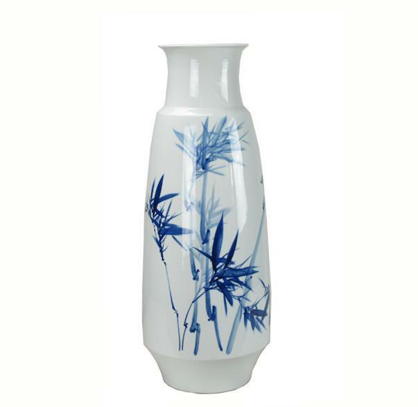 Blau and Weiß Porcelain Bamboo and Two Birds Vase