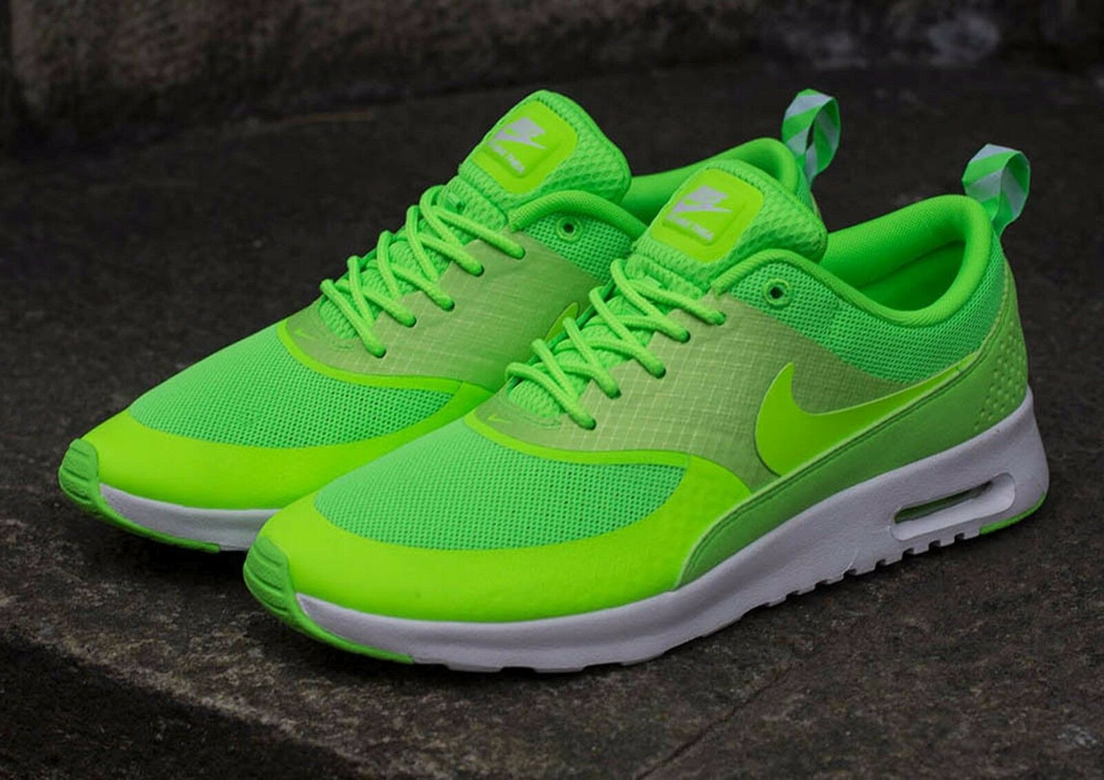 timeless design 98472 f1b21 ... best price nike air max thea taille s chaussures taille thea 65 599409  300 flash lime