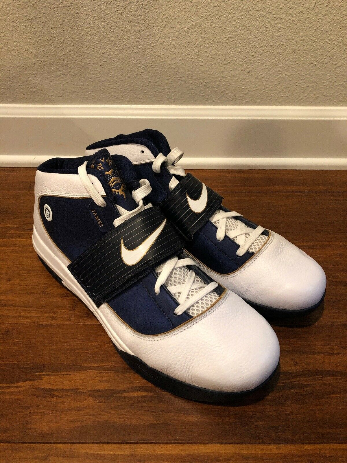 Nike Zoom Soldier IV Akron White Midnight Navy Sample Promo PE 407707 104 sz 18