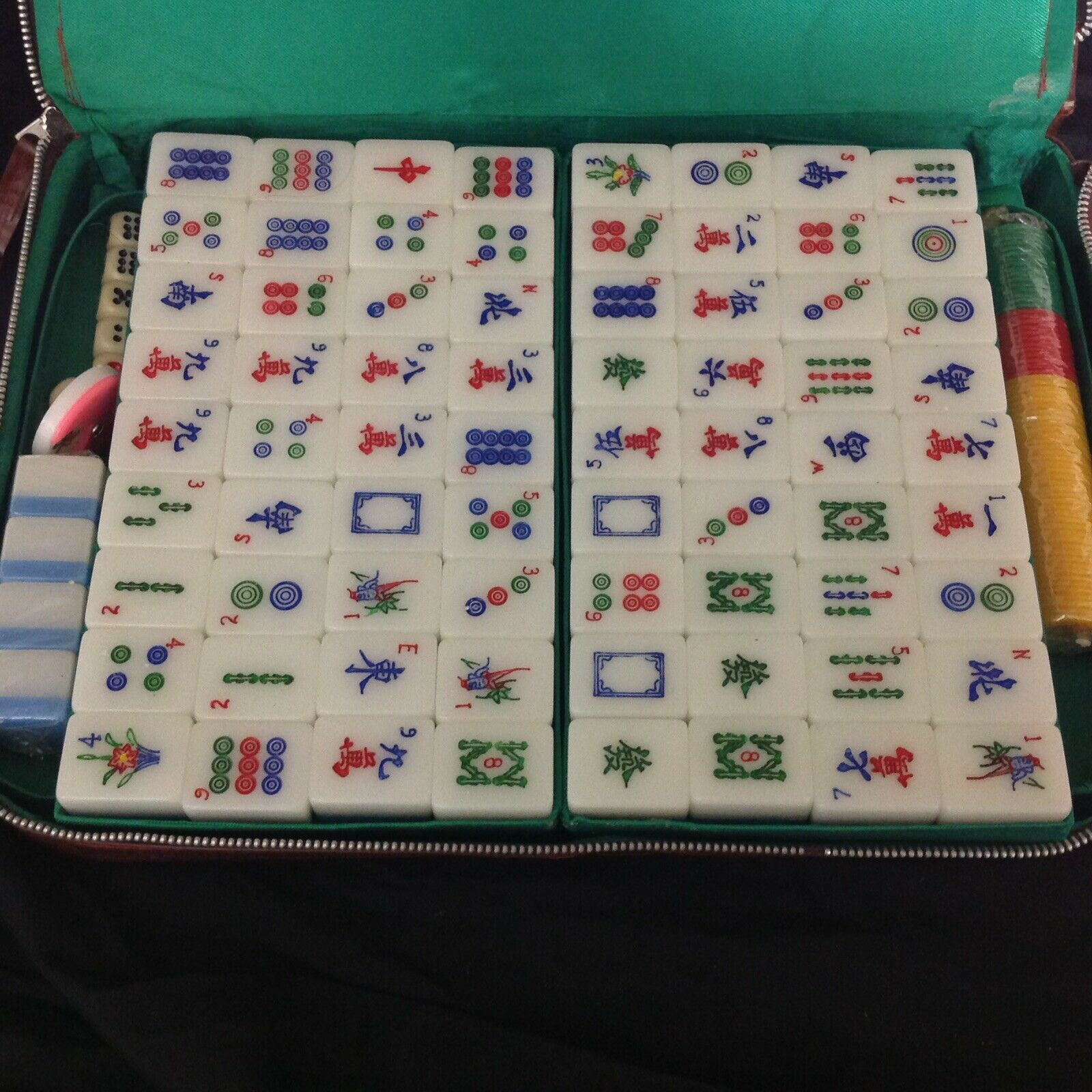 Vintage Eastern Mahjong Set (144 Pieces) In Leatherette Case, Barely Used