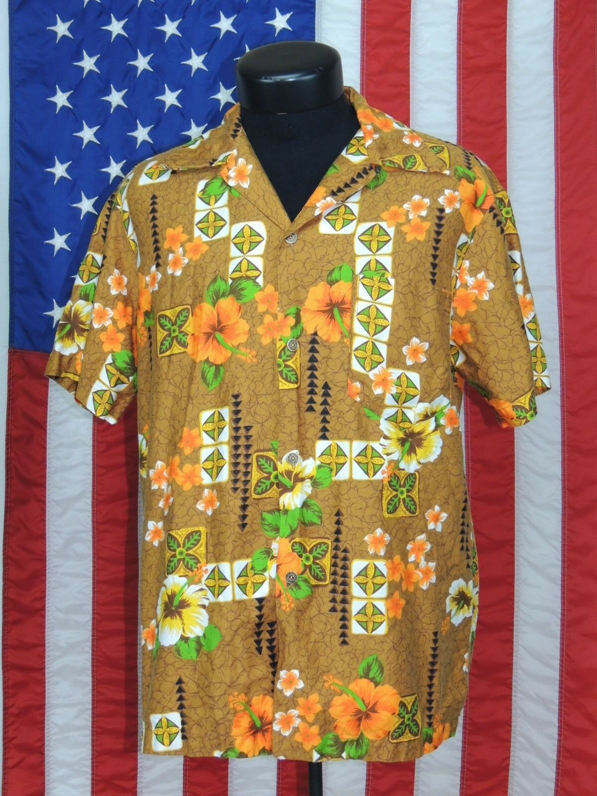 Rare VTG Royal Made Hawaii Hawaiian Aloha Tiki Luau Shirt Island Metal Button HI