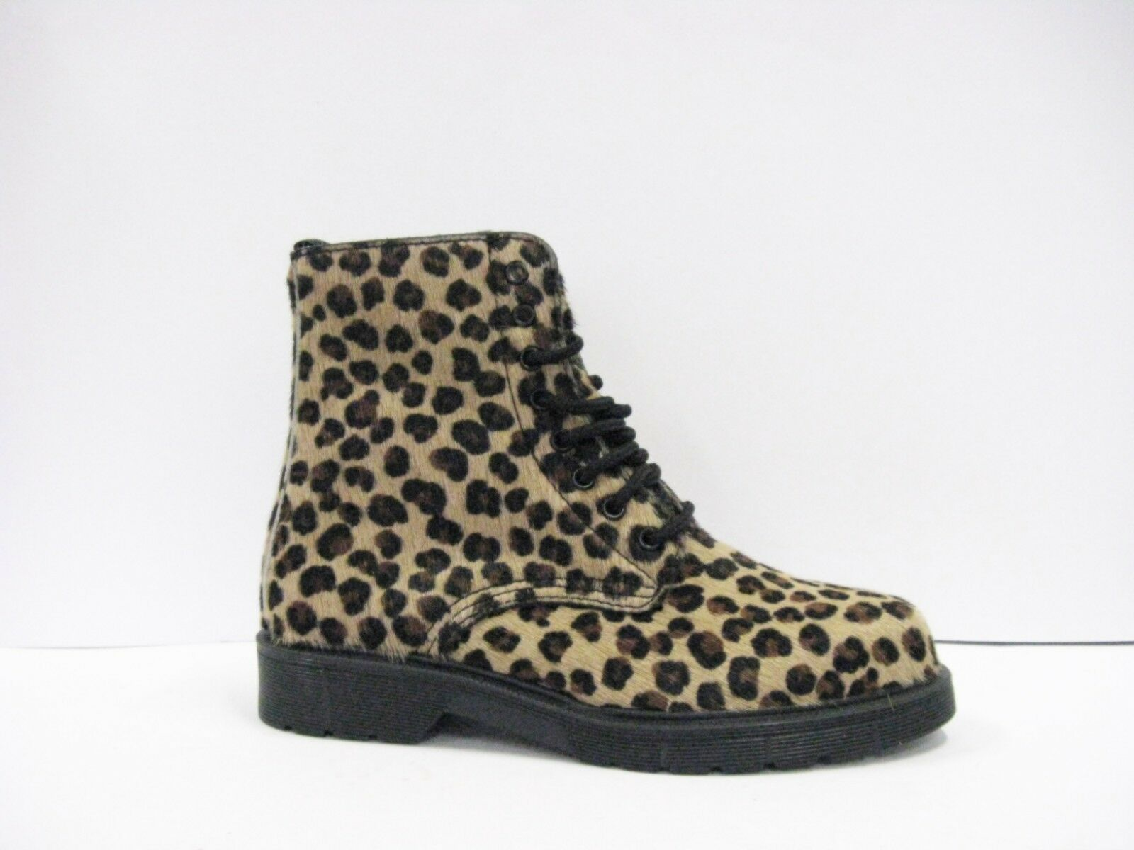 Amphibious woman Pony Leopard Lining Leather Rubber Soles Made in