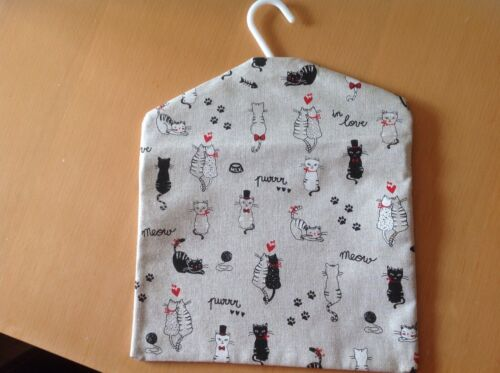 """Handmade peg bag 11/""""x13 paw prints hearts etc beige background with cats"""