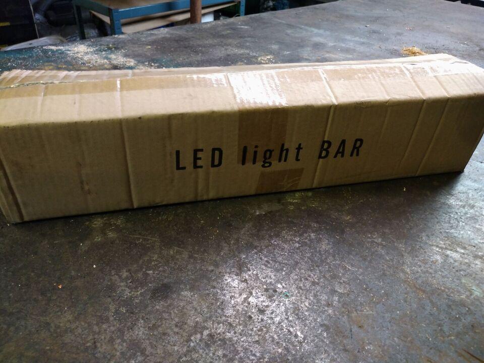 126w led lyskaster, super kraftig, to STK haves...