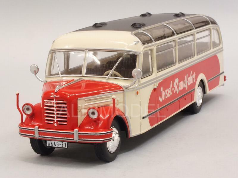 Borgward BO 4000 Bus 1952 Insel Rundfahrt 1 43 IXO BUS014