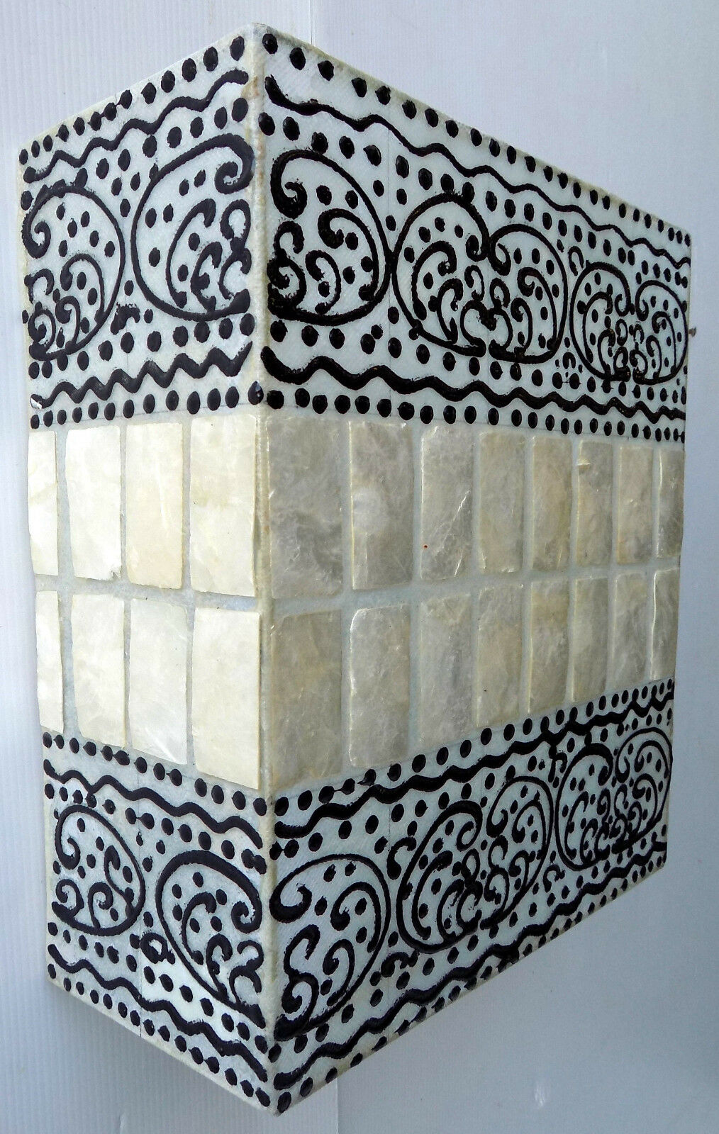 Applique in resina e madreperla bianca cm27x12x30  etnico etnico etnico luce da muro moderno A 04d628