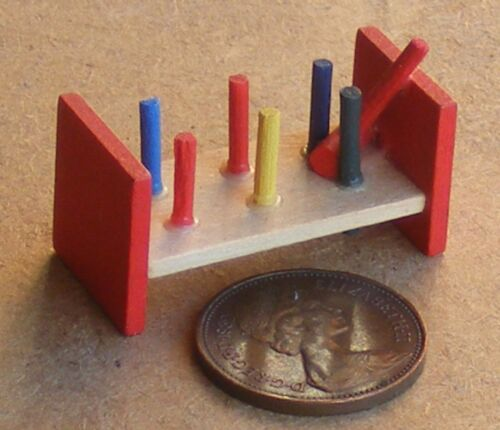 1:12 Scale Wooden Peg Block /& Hammer Tumdee Dolls House Miniature Nursery Toy