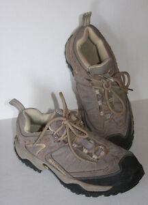 Columbia Hiking Shoes Women's 11 Tan