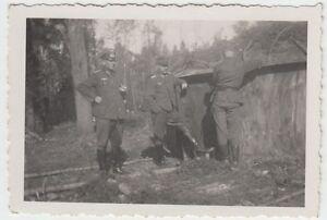 (F988) Orig. Foto Wehrmacht-Soldaten vor Eingang Bunker, Unterstand, 1940er