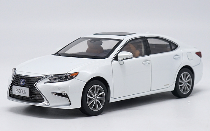 1 18 Scale Lexus ES 300h Diecast Model Car 3 Colorees