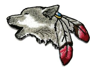 Howling-Wolf-Head-Native-American-Feathers-Embroidered-Iron-On-Patch-3-5-Inch