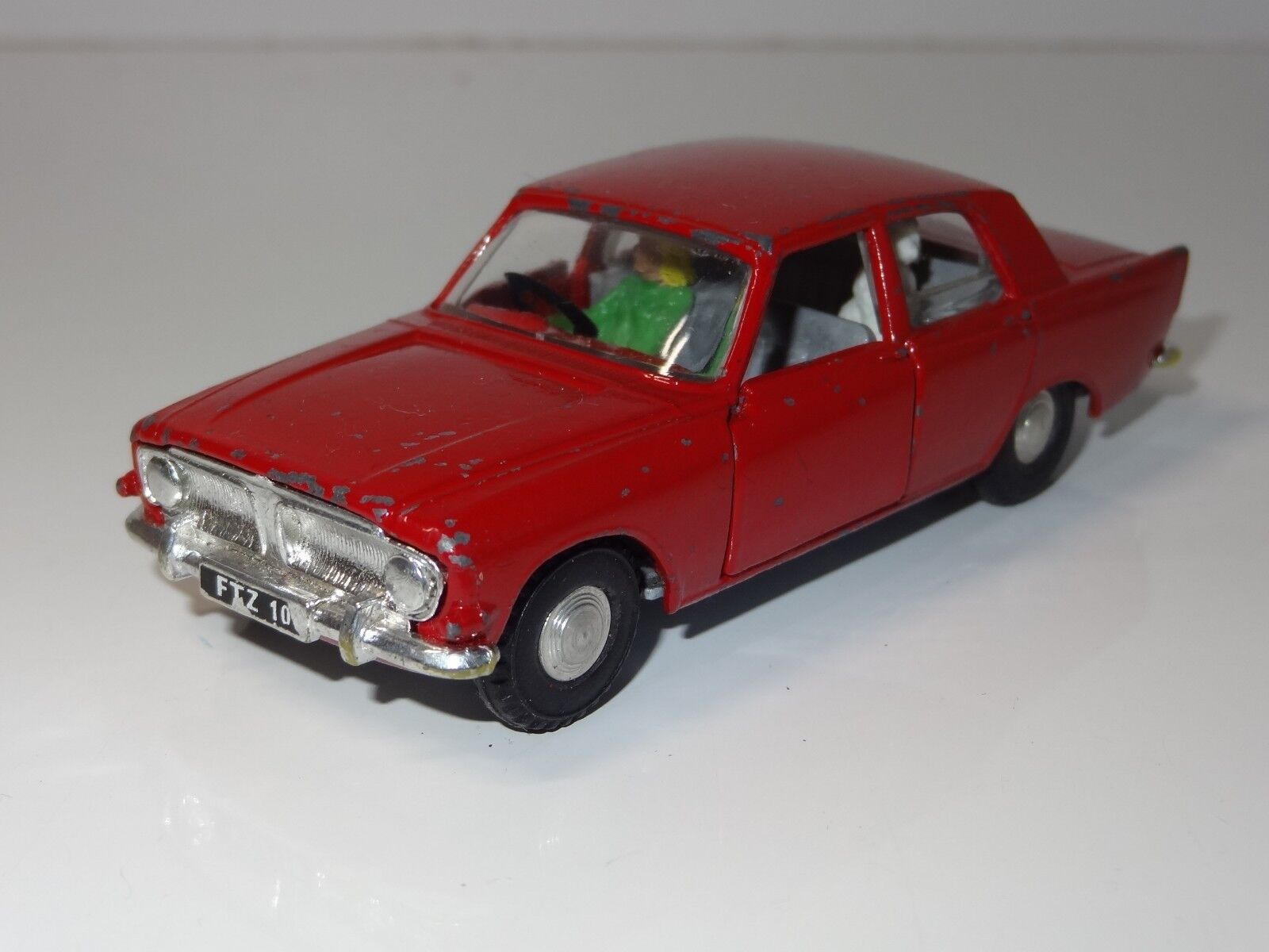 (W) TRIANG Spot on FORD ZEPHYR Six - 270