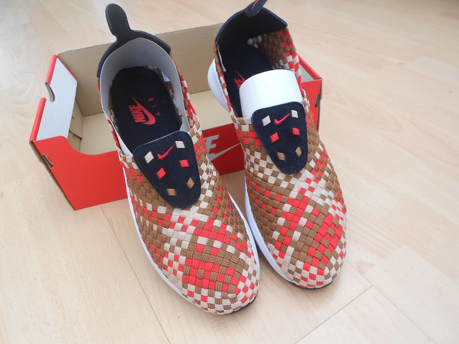 BNWOB  NIKE  AIR WOVEN  UK SIZE 10 - MIXED COLOURS  good price