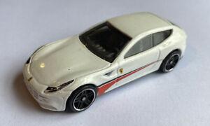 2012 HotWheels FERRARI FF 4x4 Bianco 5 Pack Release! Nuovo di zecca! molto rara!