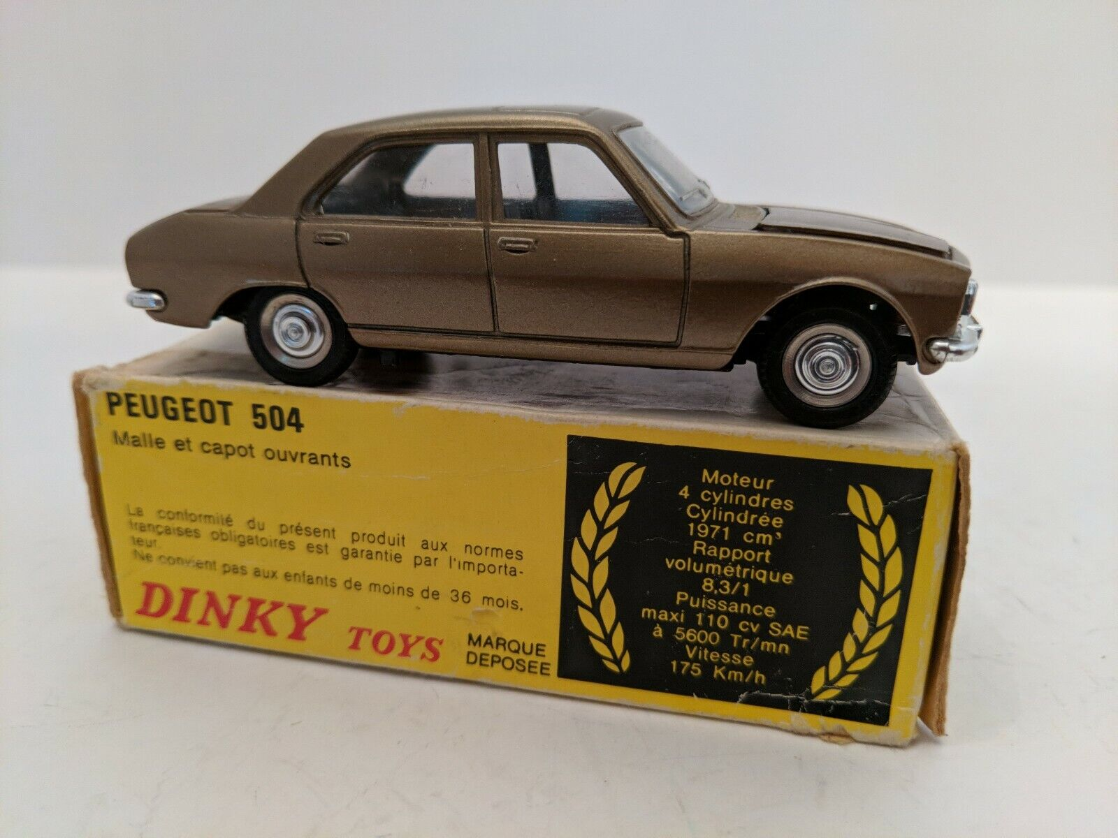 Peugeot 504, 011452 avec boîte, 1977-78 rare, fabriqué en Espagne, Comme neuf
