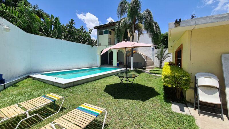 Renta de casa con alberca en Cuernavaca Jiutepec para fin de semana