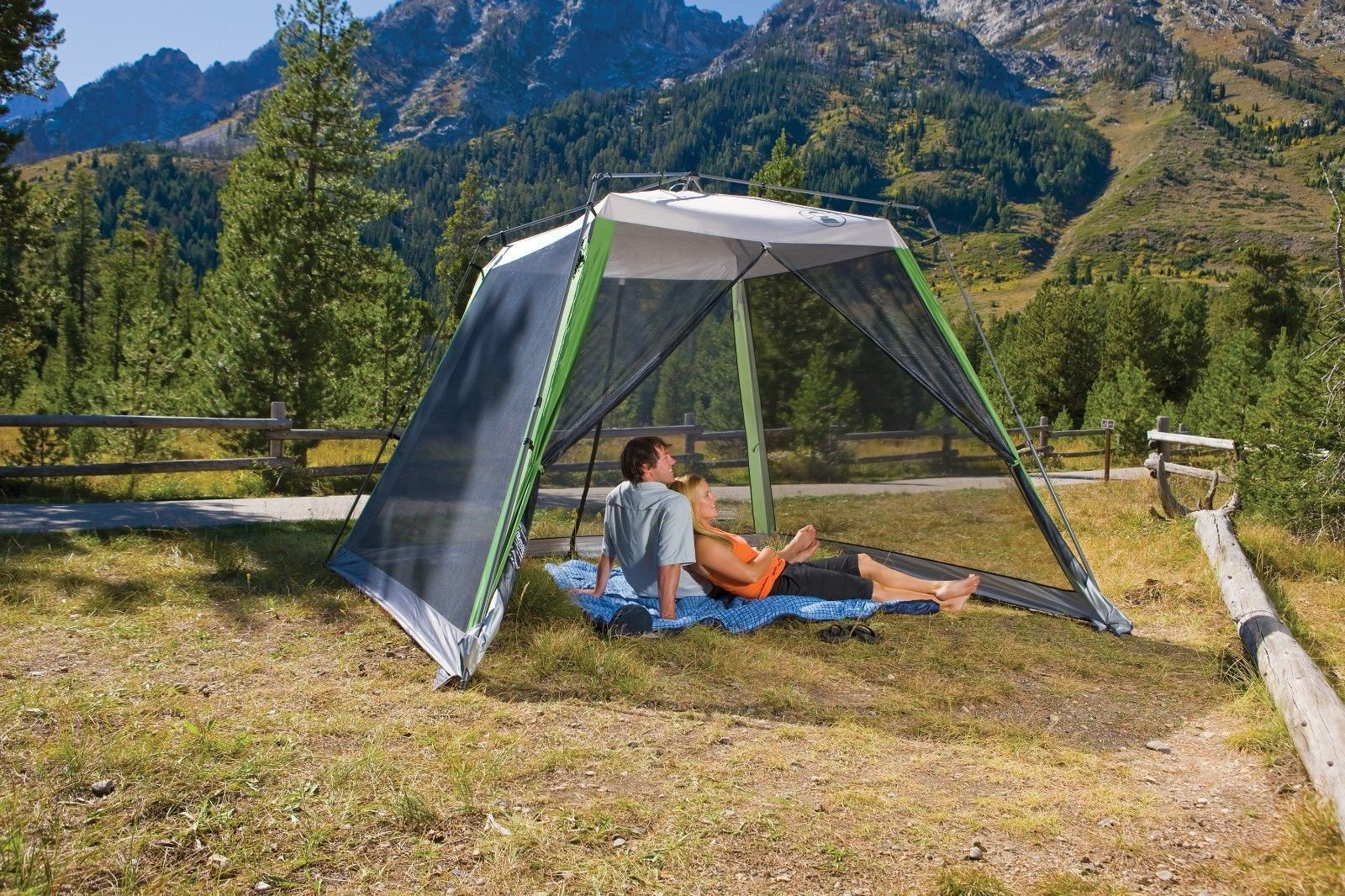 Coleman 10'x10' Instant CanopyScreen House, Camping & Tailgating New In Box