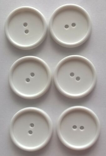 B0353 White 30mm x 6 Large Round Button