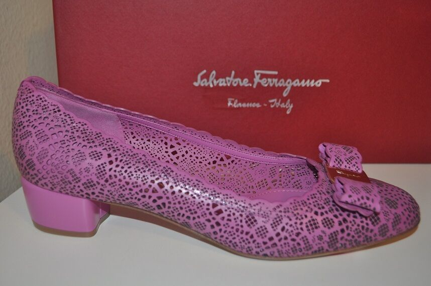 NIB  625 Salvatore Ferragamo VARA Laser-Cut Bow Low Pump shoes PINK Leather S 8.5