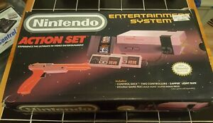Nintendo-Entertainment-System-NES-Action-Set-console-complete-in-box-new-72-pin