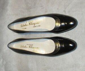 SALVATORE FERRAGAMO CLASSIC CLASSIC CLASSIC BLACK Damenschuhe PATENT LEATHER Schuhe SIZE 8 ... 5ea313
